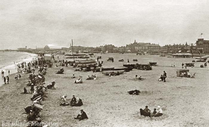 Great Yarmouth seafront 1920s