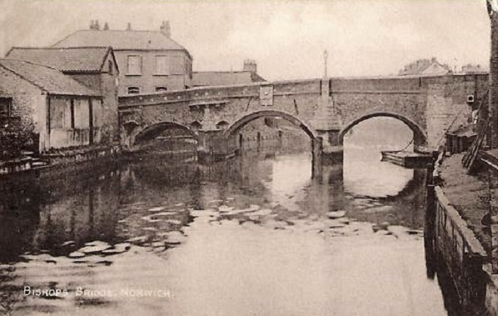Bishops Bridge Norwich c1911