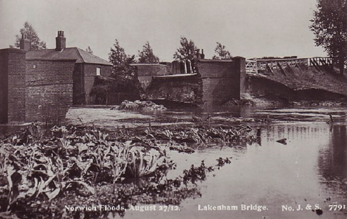 Lakenham Bridge Norwich Floods 1912